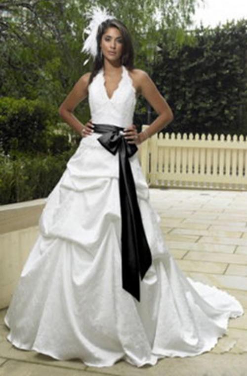 Bianco e abiti da sposa bianco  96e5d4e8088