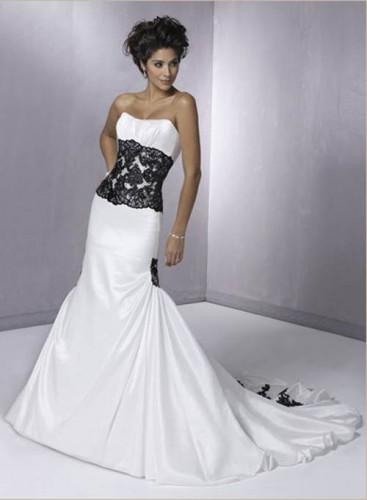 Vestito meta bianco e meta nero