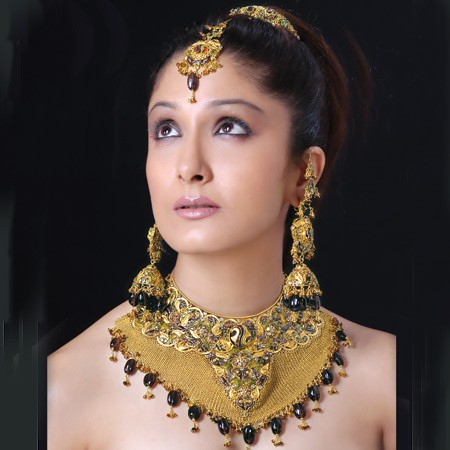 Beautiful-Indians-Bridal-Wedding-Jewelry.jpg