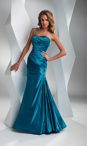Elegant-and-formal-pageant-evening-gown-from-flirt2